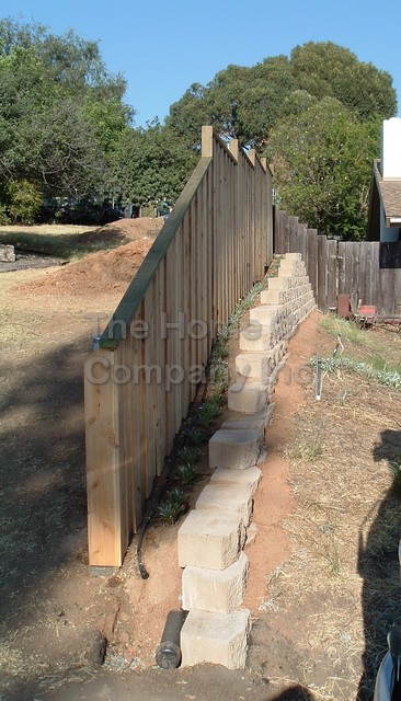Keystone Wall fence 1